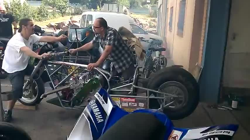 Momo-Bikes-Service-Garage.mp4
